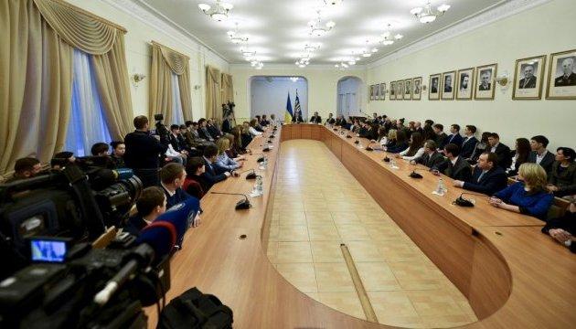 Порошенко розповів про можливості молодих науковців в Україні