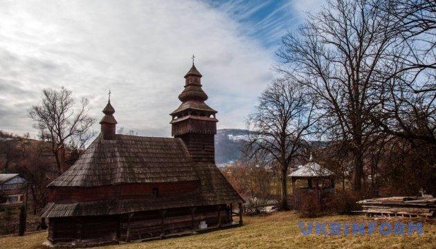Один день із життя церкви у Чорноголовій