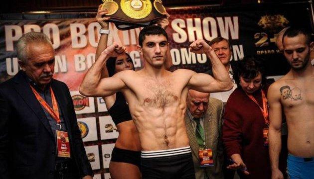 Порошенко привітав Далакяна зі здобуттям чемпіонського титулу за версією WBA