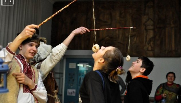 Киянам знову покажуть, як бенкетували на Бабське свято