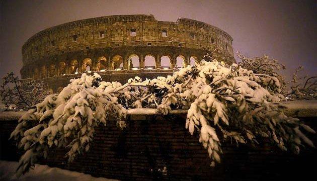 Рим несподівано засипало снігом