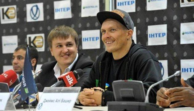 Красюк: Усик має перемогти Гассієва і отримати всі чотири пояси