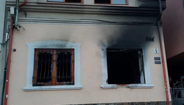 За підпали Товариства угорської культури в Ужгороді затримали 5 осіб