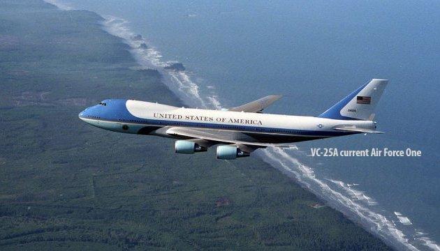 Трамп і Boeing домовилися щодо знижки для президентських літаків – Білий дім