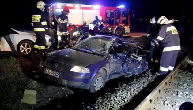 Four Ukrainians killed in car and train crash in Poland