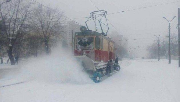 В Україні завтра мокрий сніг, дощ та до +10°