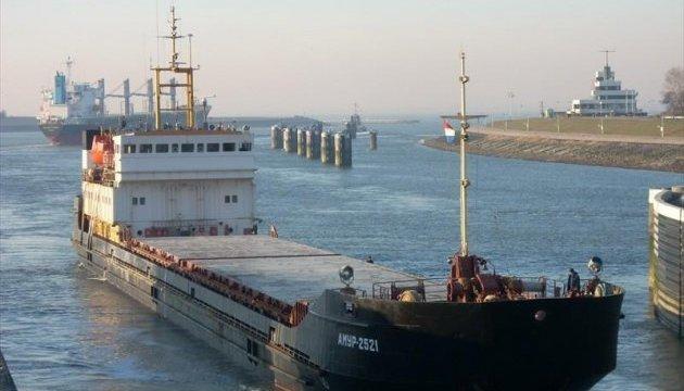 Моряк забаррикадировался на судне в Черноморске: конфликт расследует полиция