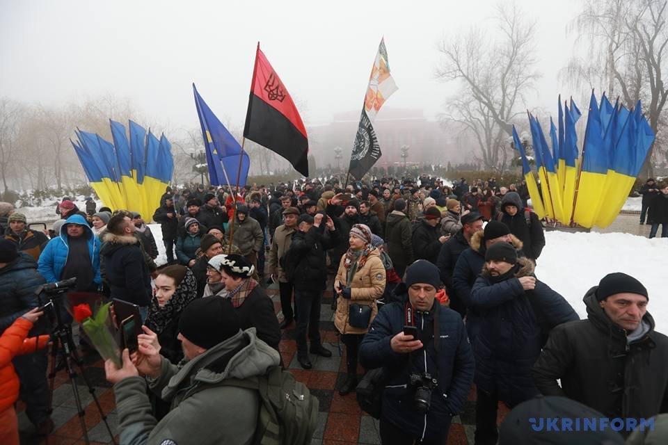 Новые инициативы небудут ущемлять права русских вгосударстве Украина — Порошенко