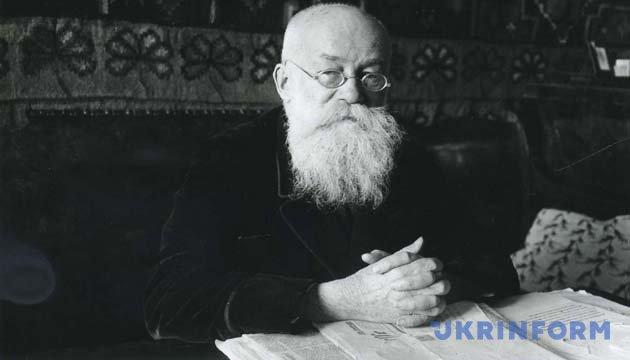 Михайло Грушевський у своєму кабінеті. Київ, 1930