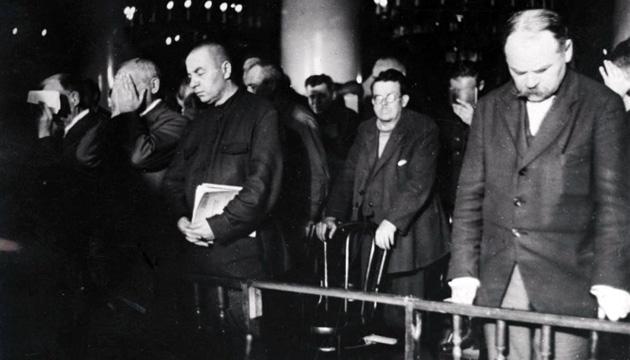 Обвинувачувані по «Шахтинській справі». Москва, 1928 рік. Фото: memory.gov.ua