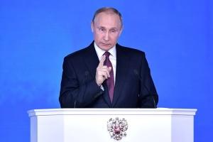 """Путін підписав закони про покарання за """"фейки в мережі"""" та """"явну неповагу"""" до влади"""