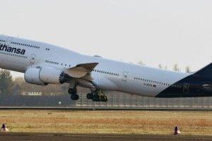 Lufthansa не пускатиме на борт пасажирів у звичайних масках