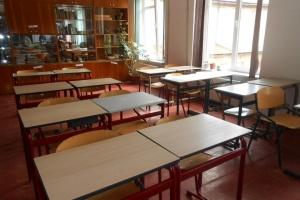 На Буковине 32 учебные заведения продлили каникулы из-за гриппа