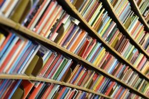 В Киеве оштрафовали предпринимателя за продажу книг из России