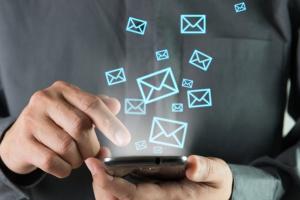 Канадця оштрафували на 100 тисяч доларів за спам