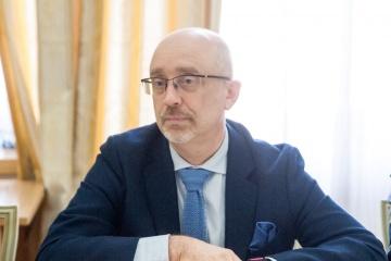 Reznikow - kwestia odświeżenia Porozumień Mińskich jest oczywista