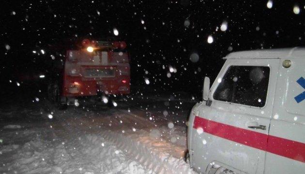 На Херсонщине в снегу застряла