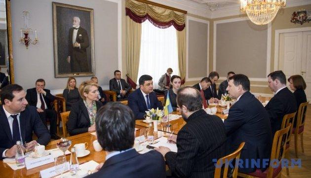 Гройсман назвал единственное государство, способное решить вопрос санкций России
