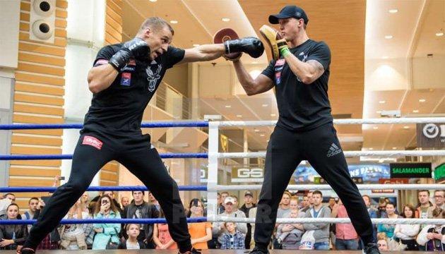 Бокс: Майріс Брієдіс залишився без тренера після поразки від Усика