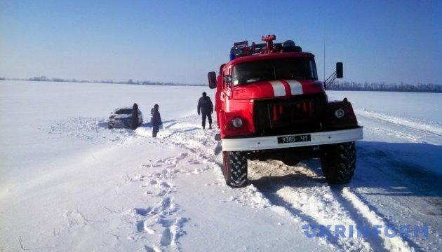 Дороги від снігу в Україні чистять 1 310 одиниць техніки