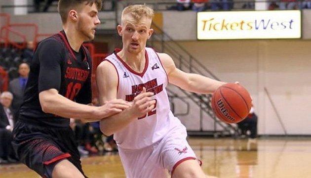 Баскетбол: українець Близнюк встановив нове досягнення в NCAA