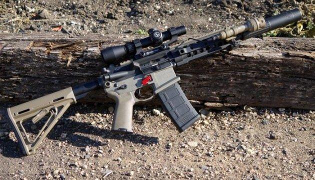У штаті Флорида заборона на гвинтівку AR-15 протрималася 15 хвилин