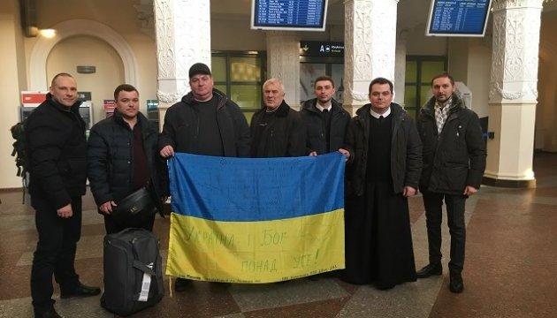 Чергова група бійців АТО прибула до Литви на реабілітацію