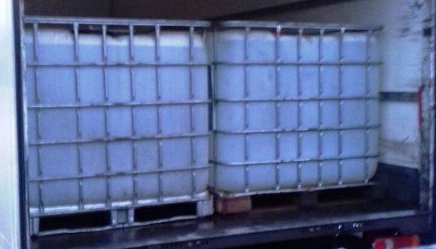 На Вінничині затримали вантажівку зі спитовою контрабандою
