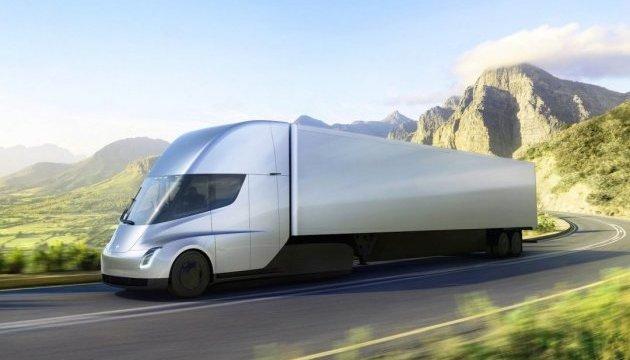 Безпілотники Tesla перевезли перший вантаж