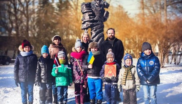 Українці Латвії відзначили день народження Шевченка