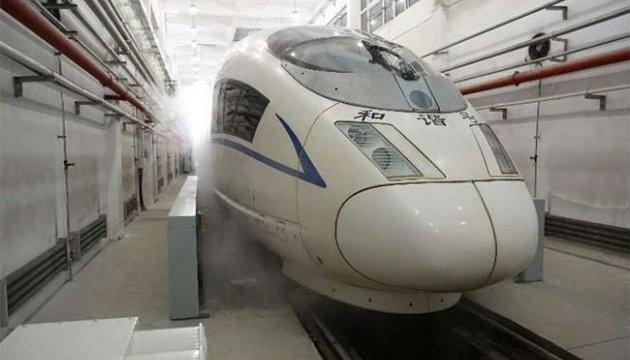 У Китаї почали випробування високошвидкісного поїзда