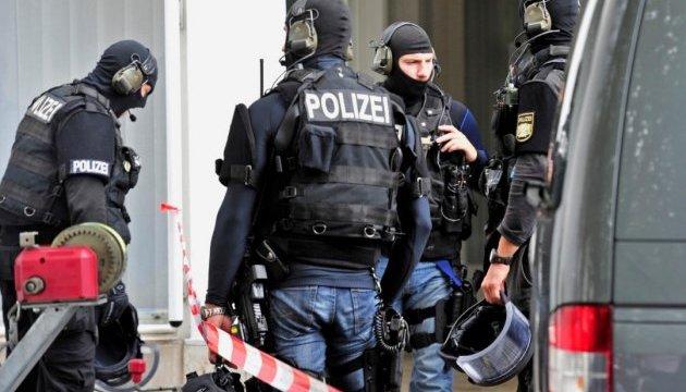 Німецька поліція розшукує чотирьох підозрюваних у плануванні теракту