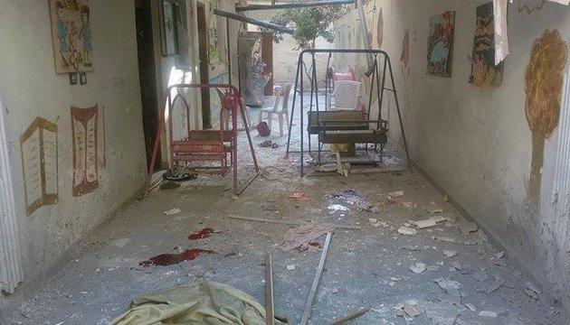 Авіація Асада розбомбила ясла в Ідлібі, десятки поранених
