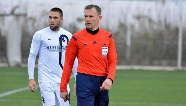 Футбол: українські арбітри призначені на матчі еліт-раунду Євро-2018