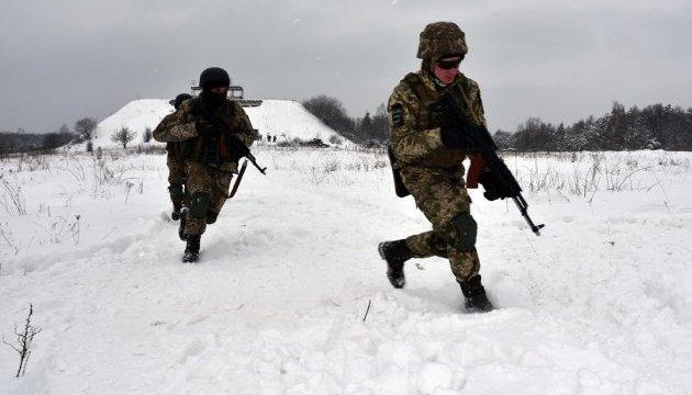 АТО: обстріл бойовиків, поранений український військовий