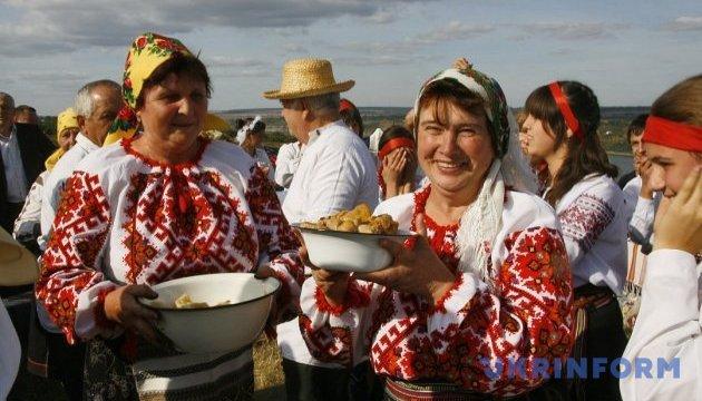 На Буковині обговорюють розвиток гастрономічного туризму