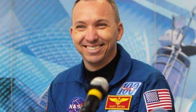 Мер Житомира сподівається, що космонавт зі США Брезнік одягне вишиванку на орбіті