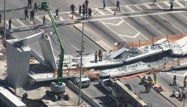Падіння мосту у Флориді забрало життя чотирьох осіб
