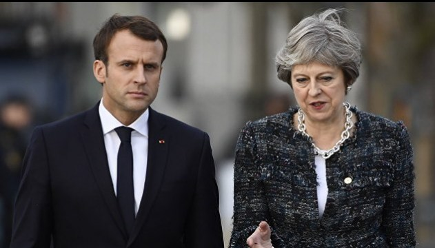 Макрон і Мей обговорили Brexit у неформальній обстановці