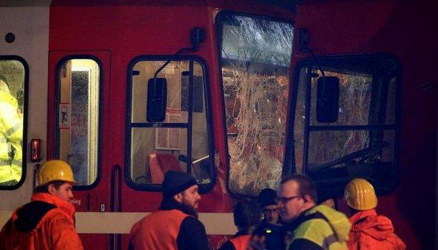 Більш як 40 осіб постраждали в результаті зіткнення трамваїв у Кельні
