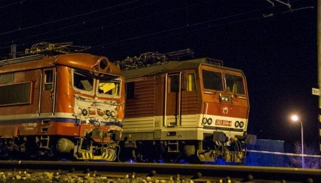 У Словаччині пасажирський потяг зіткнувся з локомотивом, є постраждалі