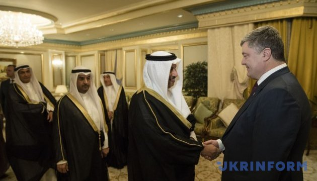 Poroshenko invites Kuwaiti business to participate in privatization in Ukraine