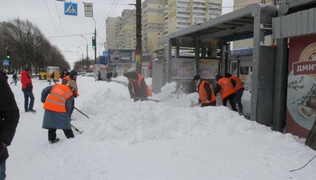 В Днипре транспортный коллапс – выпала двухмесячная норма снега