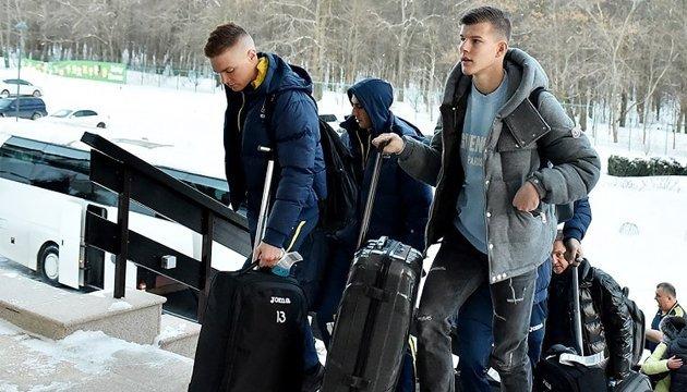 Сборная Украины по футболу отменила вечернюю тренировку на морозе