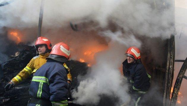 У Мукачеві горять склади «Нової пошти»