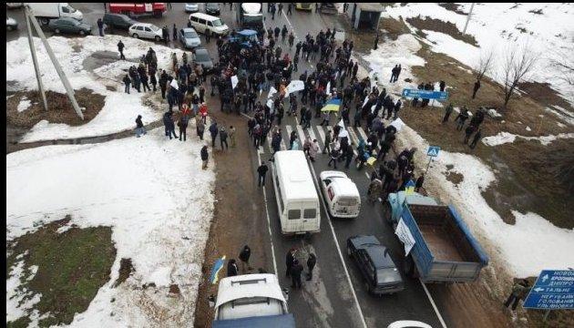 Les agriculteurs annoncent des barrages illimités sur les autoroutes ukrainiennes