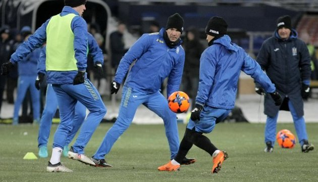 Футбол: збірна України тренувалася у Харкові в десятиградусний мороз