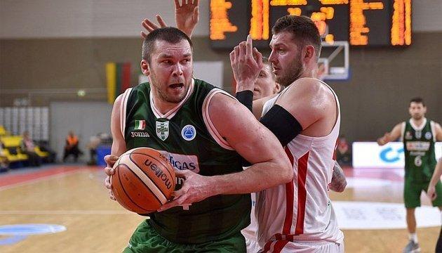 Кубок Европы ФИБА: украинцы Корниенко и Фесенко сошлись в противостоянии