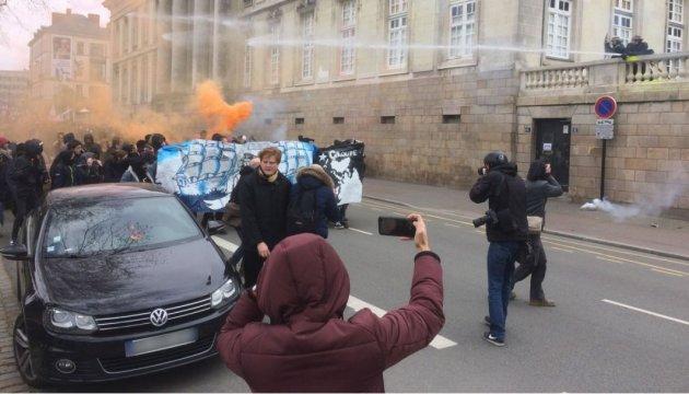 У французькому Нанті сталися сутички між демонстрантами і поліцією
