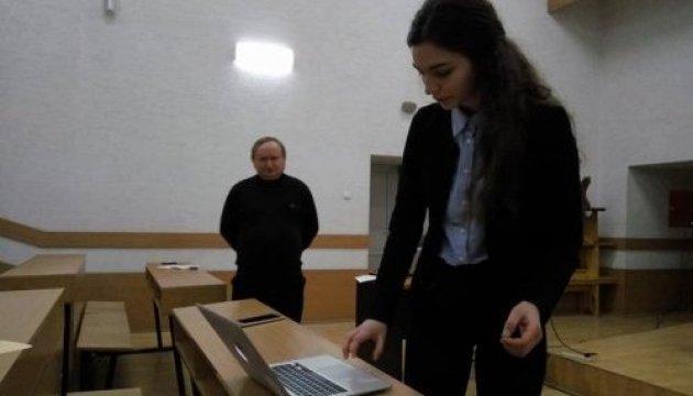 Львовская школьница повезет свое изобретение на Международную олимпиаду гениев